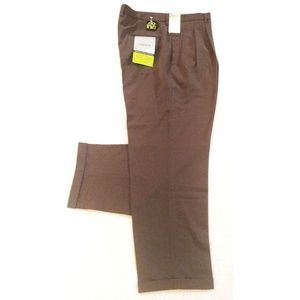 Claiborne Brown Stretch Pleat-Cuff pants